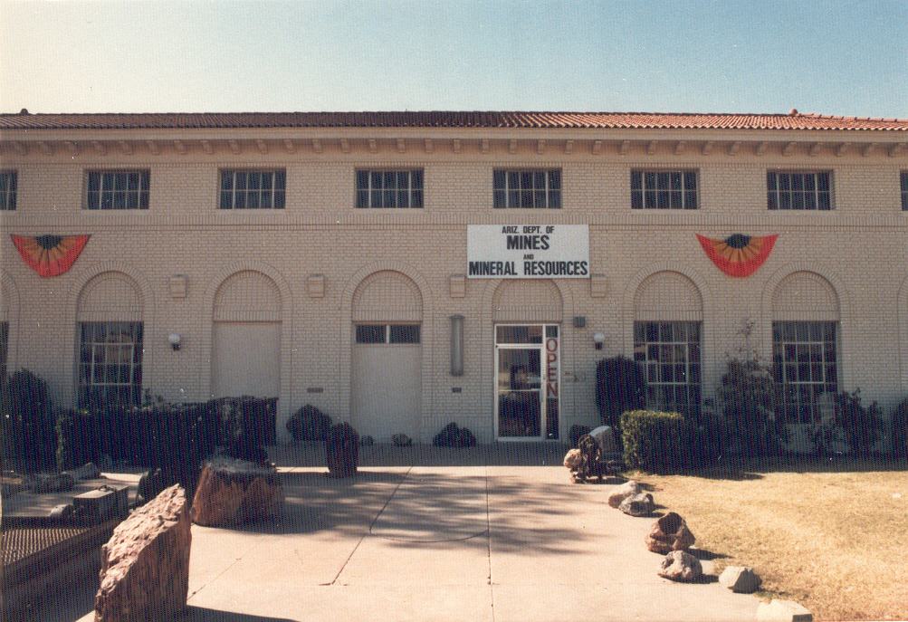 Mineralogical Record on the Arizona Mining and MineralMuseum